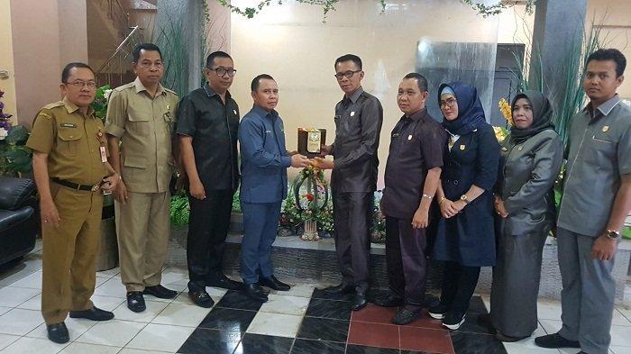 Dewan Tanahlaut Belajar Kelola Dana CSR di Kabupaten Tapin