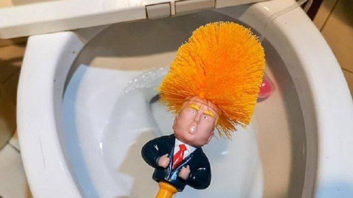 Beri Dukungan ke Pemerintah, Rakyat China Ramai-ramai Membeli Sikat Toilet Donald Trump