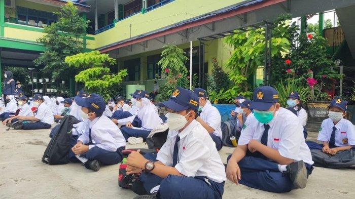Pelajar HSS Berharap PTM Bisa Terus Berlanjut, BTS Kewenangan Pusat