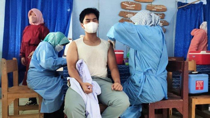 Dosis Pertama, 262 Siswa SMAN 1 Marabahan Ikuti Vaksinasi Covid- 19