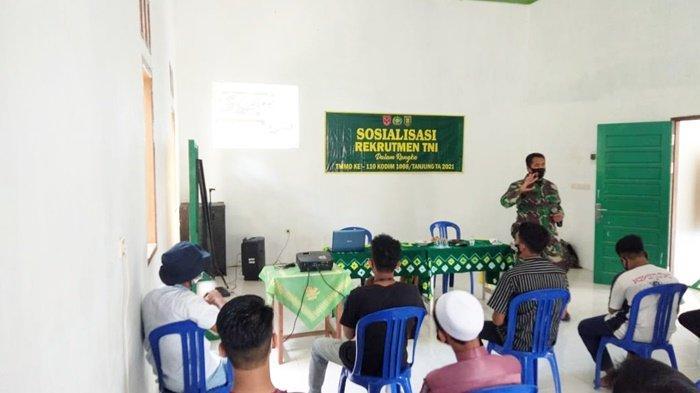 Tarik Minat Pelajar Jadi Prajurit TNI,Kodim 1008/Tanjung Sosialisasikan di Lokasi TMMD