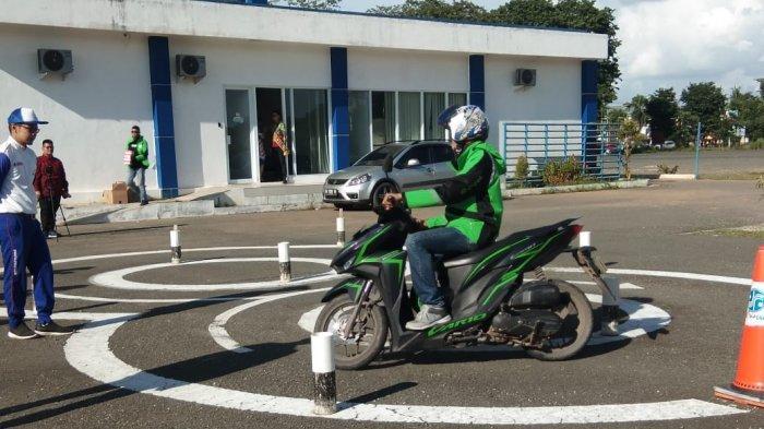 Honda dan Polda Kalsel Sosialisasi Edukasi Safety Riding Kepada Pengemudi Ojol