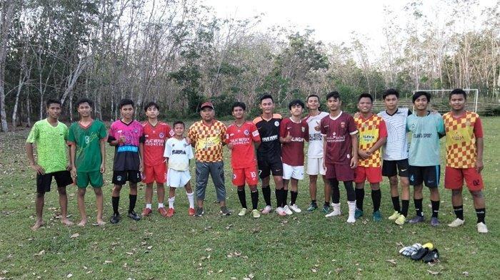 Tujuh Pemain Diklat Merden Ikuti Latihan SSB Batu Agung Balangan Kalsel di Bulan Ramadhan