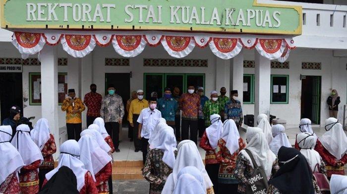 Buka Kuliah Perdana, Nafiah Ingatkan Mahasiswa STAI Kuala Kapuas Patuhi Protokol Kesehatan Covid-19