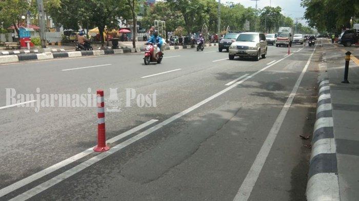 Dishub Banjarmasin Pasang Stick Cone di Jalan A Yani, Begini Tanggapan Pesepeda