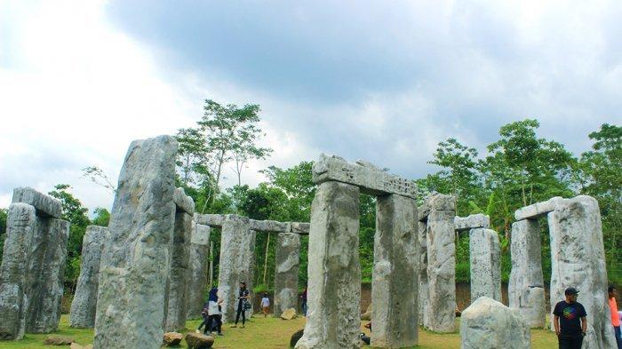 Objek Wisata Batuan Raksasa Cangkringan Yogya Mirip Situs Di Inggris Banjarmasin Post