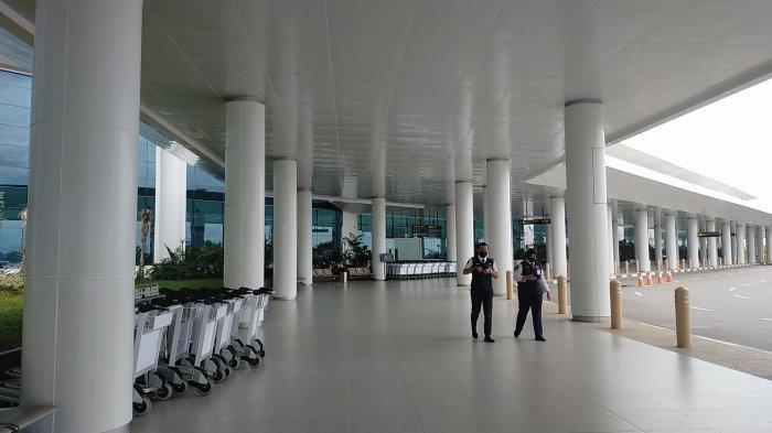 Hari Pertama Peniadaan Mudik Lebaran, Suasana di Bandara Internasional Syamsuddin Noor Sepi