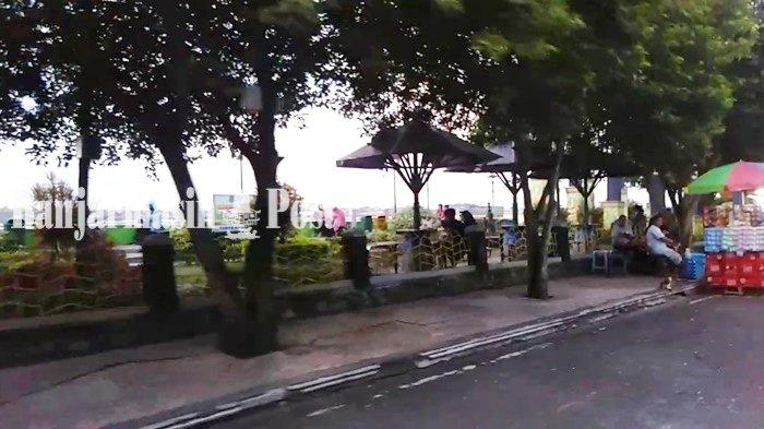 Suasana di kawasan Taman Danau Mare, Kota Kualakapuas, Kabupaten Kapuas, Provinsi Kalimantan Tengah (Kalteng).