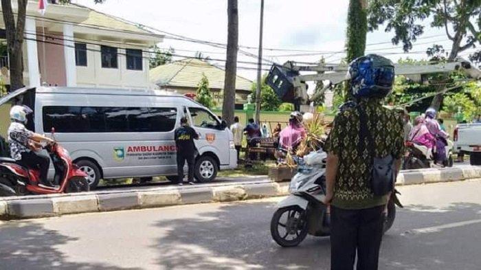 Box Truk Skylift Pemkab Tala Jatuh Saat Perbaikan PJU, Satu Pekerja Alami Patah Tangan dan Kaki