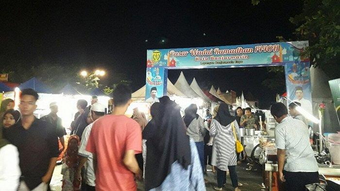 Pasar Wadai Kamboja Buka Hingga Jelang Tengah Malam, Tersedia Lauk Untuk Sahur