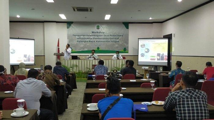 Suasana pelatihan atau workshop penguatan kelembagaan desa pemelihara infrastruktur pembasahan gambut di Kota Palangkaraya, Provinsi Kalimantan Tengah, Kamis (10/9/2020).