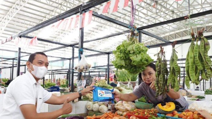 Tingkatkan Imunitas Pedagang, BRI Cabang Martapura Salurkan Bantuan Vitamin dan Suplemen
