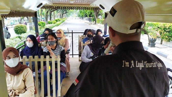 Wisata Kalsel : Bus Wisata Bajajalanan, Satu Jam Perjalanan Lewati Rute ini