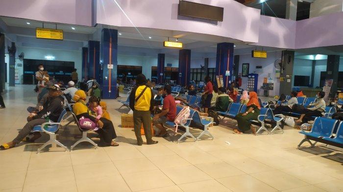 Dampak PPKM Darurat Jawa-Bali, Jumlah Penumpang Kapal di Pelabuhan Trisakti Turun