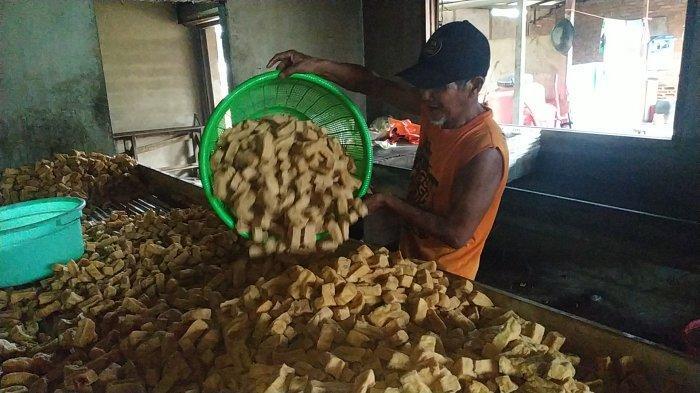 Harga Kedelai Naik, Perajin Tahu di Banjarbaru Mulai Naikkan Harga