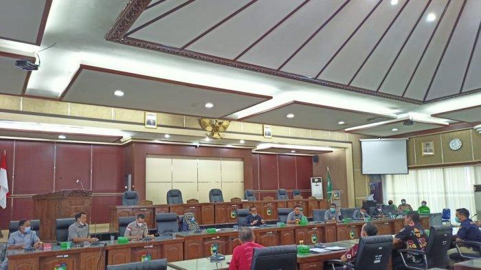 Dewan Tala Tindaklanjuti Persoalan Lahan Warga Mekarsari, Komisi Lakukan Pertemuan dengan Pemkab