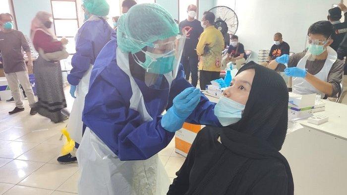 Badan dan Pengawas Adhoc Jalani Rapid Test Antigen Jelang PSU Pilgub Kalsel 2020