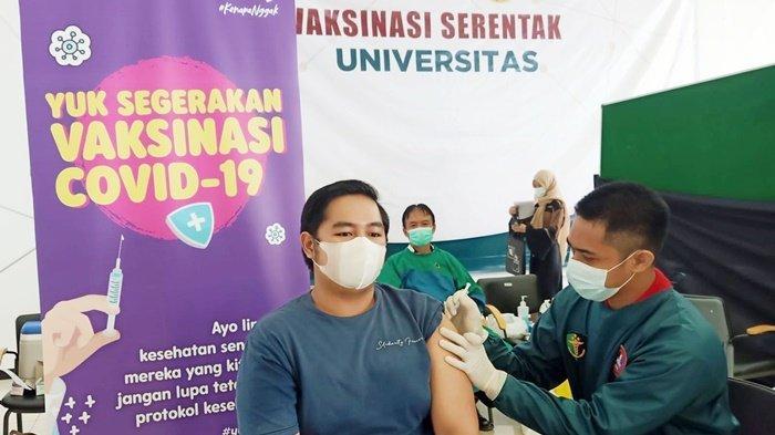 Axis Dukung Program Vaksinasi Mahasiswa di Banjarmasin