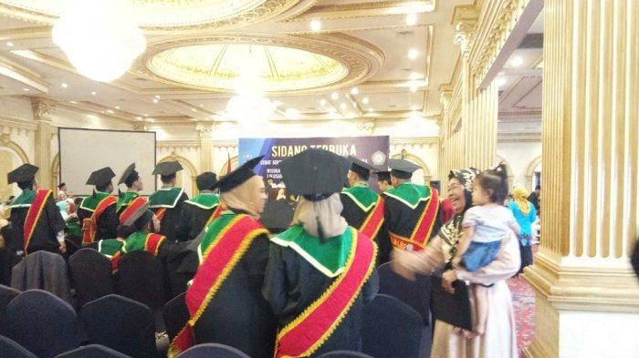 Stikes Intan Martapura Luluskan 89 Tenaga Perawat Baru, Begini Suasana Haru Saat Wisuda