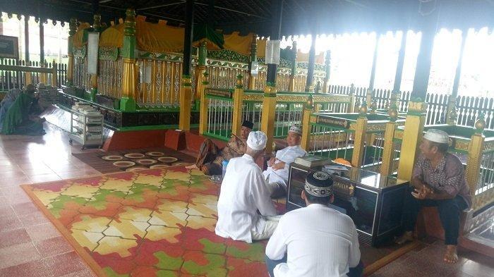 Di Kompleks Makan Sultan Suriansyah Dimakamkan Pula Chatib Dayan, Begini Kisah Ulama dari Demak