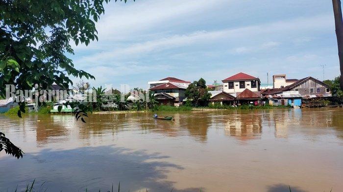 Debit Air Sungai Naik 1 Meter di Amuntai, BPBD HSU Imbau Warga Waspadai Banjir