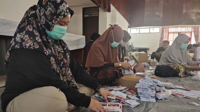 Surat Suara PSU Pilgub Kalsel 2020 untuk Kecamatan Banjarmasin Selatan Mulai Dilipat