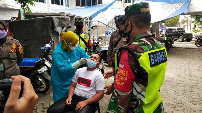 Update Covid-19 HST : Pengunjung dan Penjahit di Komplek Pasar Garuda Dites Swab Antigen, 1 Positif