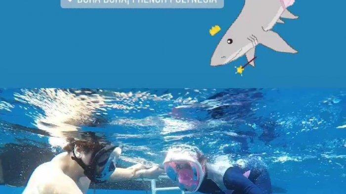 Kepanikan Reino Barack Saat Syahrini Didatangi Binatang Buas Ini Saat Berenang di Lautan Bora Bora