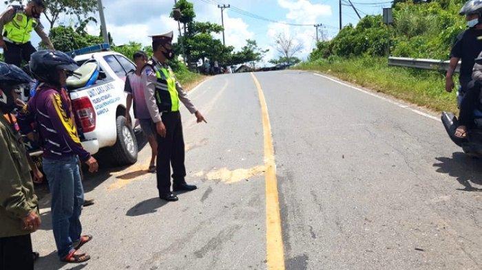 Insiden Tabrakan di Sebelimbingan Kotabaru, Dua Pengendara Motor Mengalami Luka Berat
