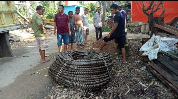 Pemkab HST Akhirnya Bantu Warga Desa Baru Beli Tali Sling Jembatan Gantung 3