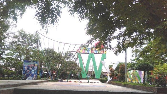 Wisata Kalsel : Taman Education Park Tanbu Rindang dengan Pohon Peneduh, Nyaman untuk Bersantai