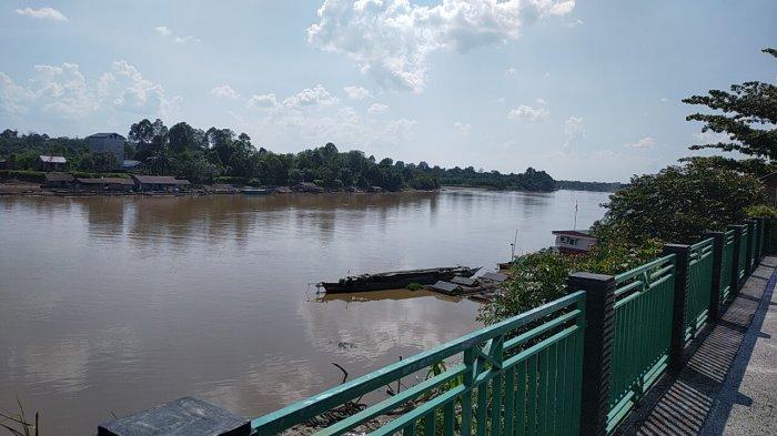 Wisata Kalteng, Taman Kota Kasongan Kabupaten Katingan, Berada di Bantaran Sungai Katingan