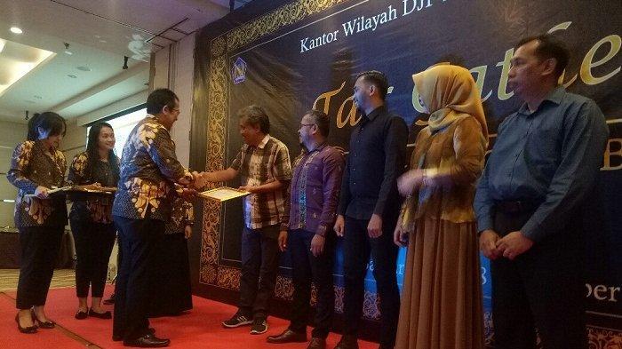 DJP Kalselteng Gelar Tax Gethering 2019, Banjarmasin Post Sabet Penghargaan Ini