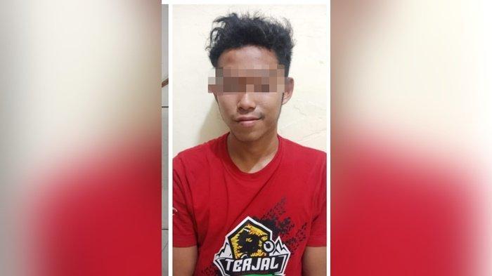 Peluk Senjata Tajam Sambil Rebahan di Siring Juwita, Rahmat Siswadi Diamankan Jajaran Polres HST