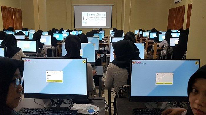 Suasana tes SKB CPNS 2018 Pemkab Tanahlaut di Pelaihari yang berlangsung selama dua hari (Kamis dan Jumat ).
