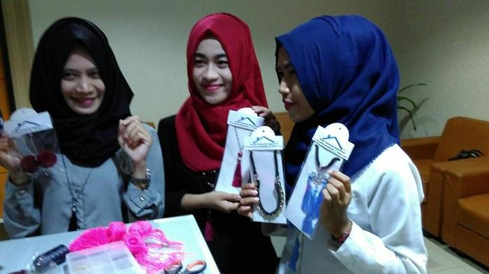 Terinspirasi Chairul Tanjung Tiga Gadis Cantik Ini Buat Usaha Sendiri