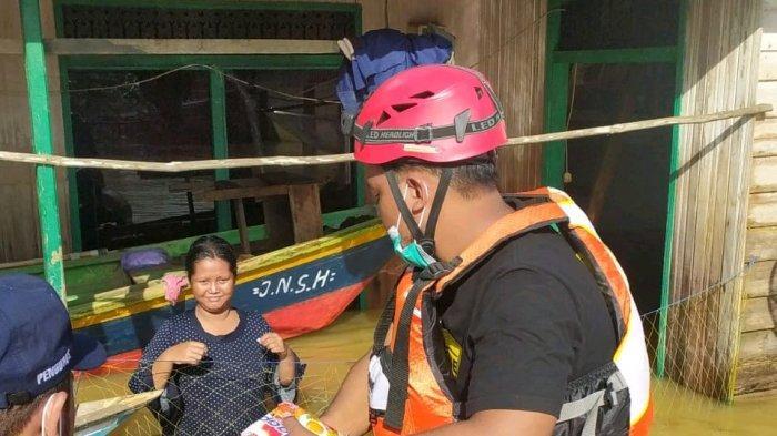 Banjir Kalsel, Bantu Koban Banjir di Satui Tanbu, Relawan di Banjarbaru Turunkan Dokter Jantung