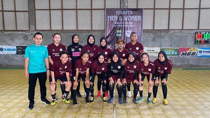 Tim futsal putri asal Kabupaten Tabalong, Kalimantan Selatan, Seporta Bersinar.