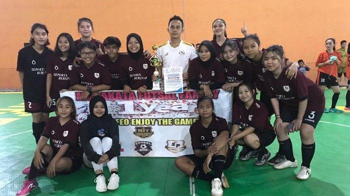 Sapu Bersih, Tim Futsal Putri Tabalong Seporta Bersinar Raih Juara Fourfeo Murakata Futsal Family