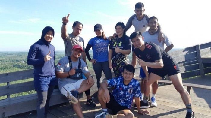 Tim gulat Kalsel foto bersama di Kiram.