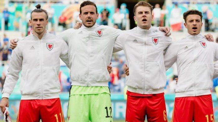 Pemain Timnas Wales Gareth Bale, Danny Ward, Joe Rodon dan Ethan Ampadu. Wales akan melawan Denmark di babak 16 besar Euro 2021. Jadwal Euro 2021 antara Wales vs Denmark adalah pada Sabtu (26/6) yang tayang di RCTI & Live Streaming TV Online Mola TV jam 23.00 WIB.