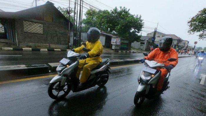 Hindari Potensi Bahaya Saat Berkendara di Musim Hujan, Berikut Tips dari Yamaha Riding Academy