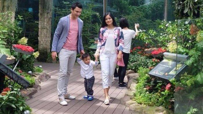 Curhat Titi Kamal yang Harus Berpisah dari Cristian Sugiono & Anak, Isolasi Diri Cegah Virus Corona