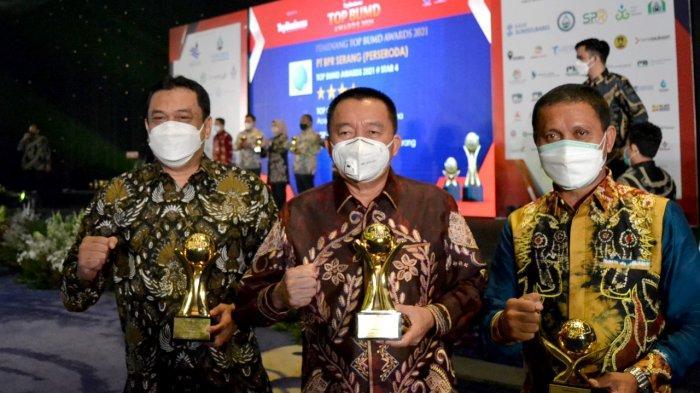 Bank Kalsel dianugerahi penghargaan spesial sebagai TOP BUMD