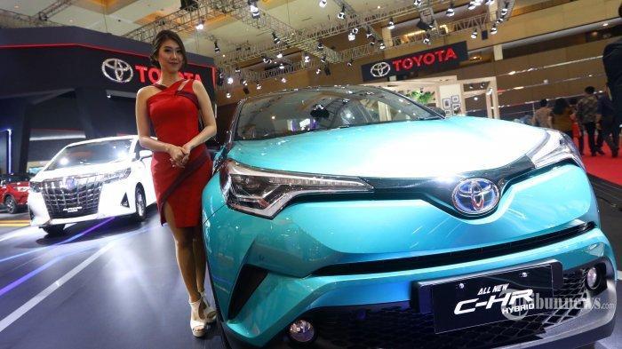 Toyota All New C-HR Hybrid dipamerkan dalam ajang pameran otomotif Indonesia International Motor Show (IIMS) 2019 di JIExpo, Kemayoran, Jakarta Pusat, Jumat (26/4/2019). Tribunnews/Irwan Rismawan