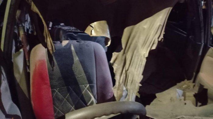 Diduga Sopir Menelpon, Mobil Tiba-tiba Terbakar di Dekat SPBU Cempaka Banjarbaru Kalsel