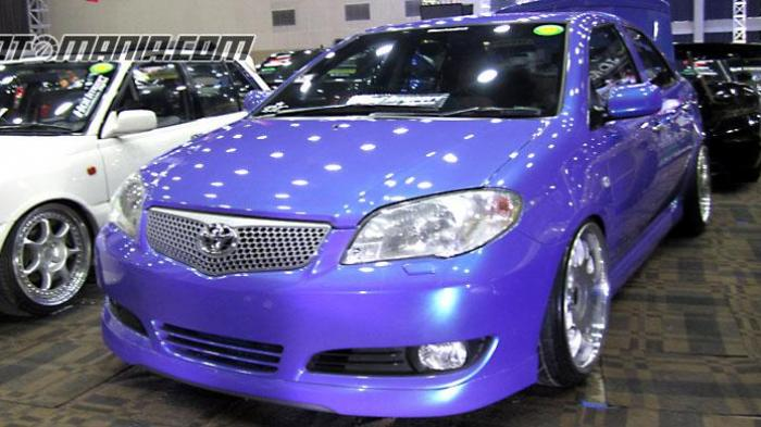 Toyota Vios lansiran 2004 peserta kontes modifikasi Hot Import Night (HIN).