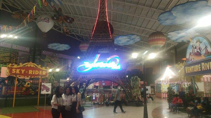 Trans Studio Mini Duta Mall Banjarmasin, Begitu Masuk Disambut Spot Foto Reflika Menara Eiffel