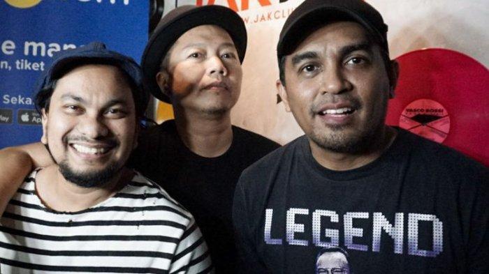 Tompi, Sandhy Sondoro dan Glenn Fredly yang tergabung dalam Trio Lestari saat ditemui di sesi latihan di G Studio, Pondok Indah, Jakarta Selatan, Selasa (31/7/2018)