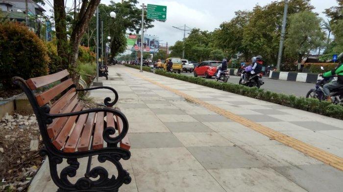 Bekas Galian Kotori Trotoar Jalan A Yani Banjarmasin